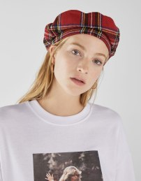 beret-carreaux-bershka