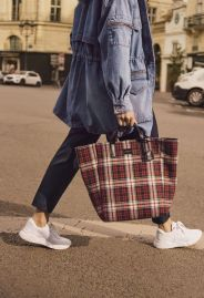 cabas-motif-carreaux-claudie-pierlot
